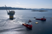 DOF vessels Skandi Vega and Skandi Iceman involved in a complex offshore operation. Image courtesy of Equinor, by Espen Roennevik, Roar Lindefjeld